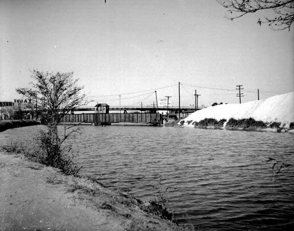 1951-New Basin Canal