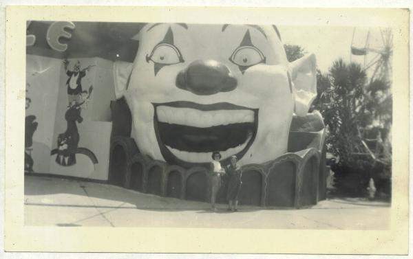1953 Photo -- Clown Head