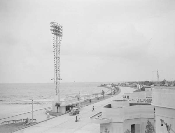 1941 - VIew of Pontchartrain Beach