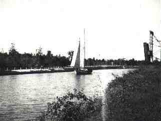 1831-1838 New Basin Canal is built